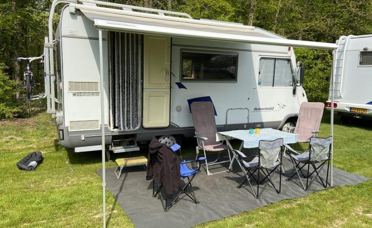 MobilHome – Ruime camper met alle campeergemakken voorzien