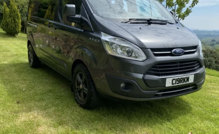 The Midlife Crisis – Robuuste Ford Transit Custom Camper