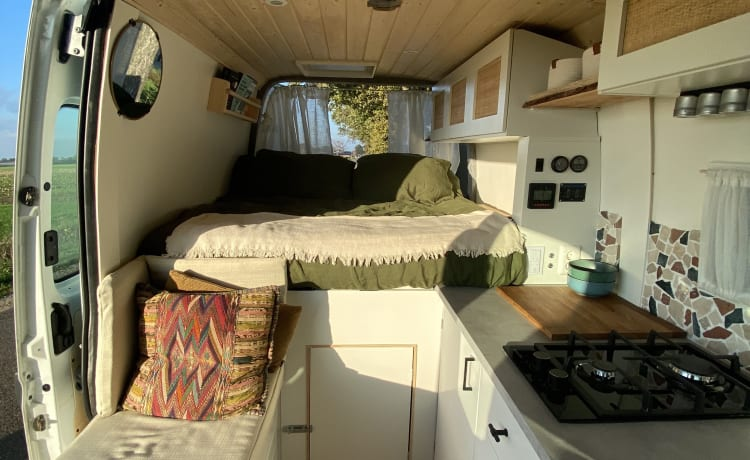 Barry – Atmospheric DIY camper ready for adventure!