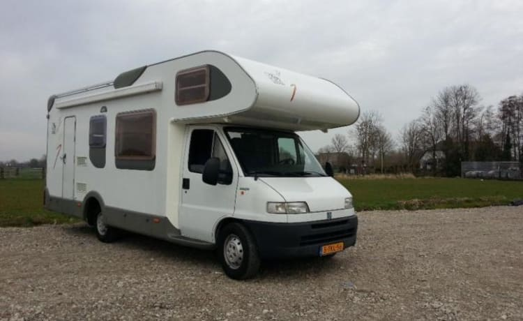 Beautiful 7pers. Knaus with Bunk Bed