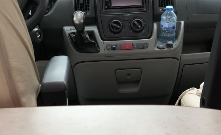 Elnagh Prince 580 l – Italian motorhome for rent