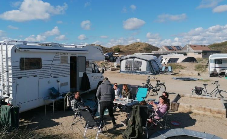 Mooie ruime en complete familie camper, van alle gemakken voorzien