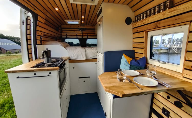 Stylish and durable 4-season bus camper