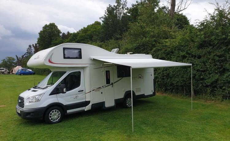 Marv – 2 - 6 Slaapplaatsen Modern Stijlvol Luxe Camper Familie Vrienden Huisdieren