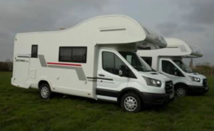 WHITNEY – 2021 6-persoons camper