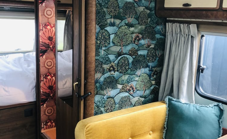 HOMESTEAD AMSTERDAM...on wheels – HYMER 6p. Camper family