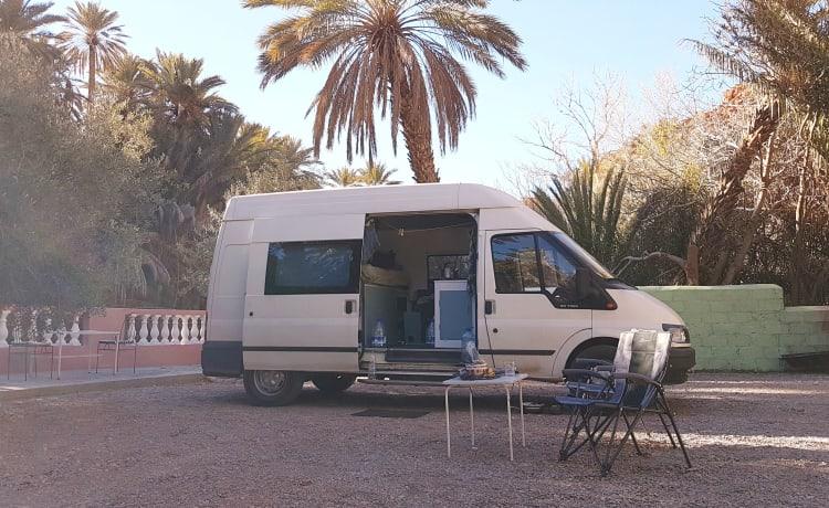 Camper met 2 luxe vaste slaapplaatsen, klaar voor jouw avontuur!