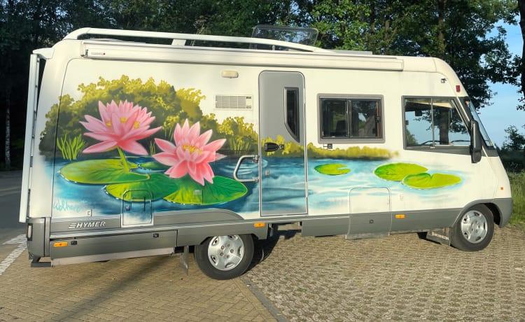 Padma – Adventurous Colorful Hymer Lotus Motorhome E610