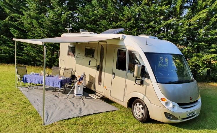 Bernie G – Luxe en ruime Duitse geïntegreerde camper van hoge kwaliteit