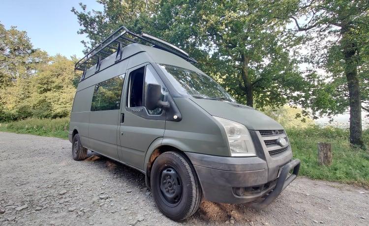 Lagertha – Ford Transit LWB Highroof adventure van