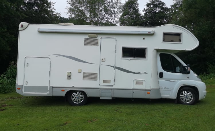 Camp David – 6 Berth Camper, drives very well, everything you need