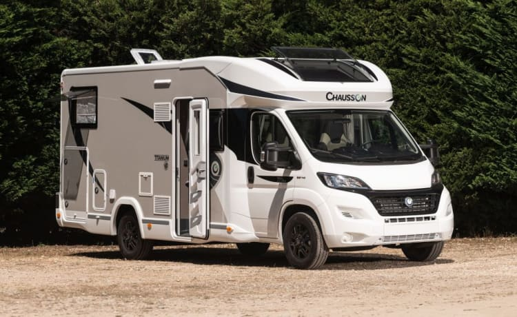 Gloednieuwe mobilhome – Home is wherever you park!