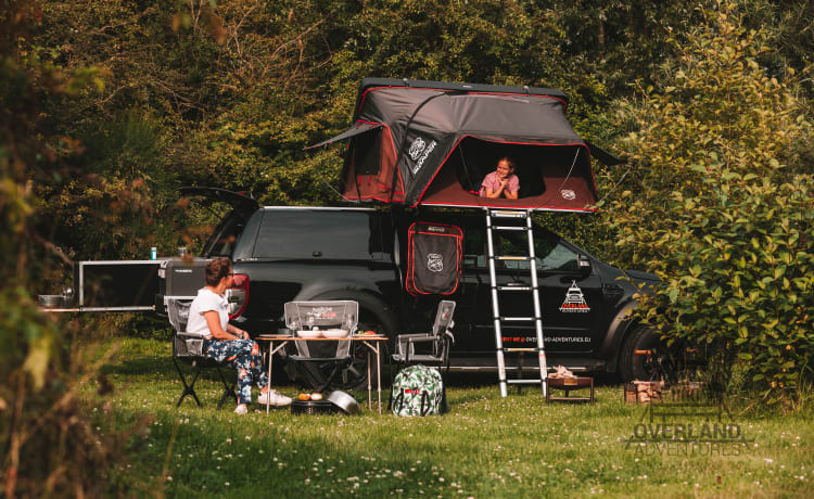 4x4 Pick-up Ranger with 4-person Ikamper roof tent
