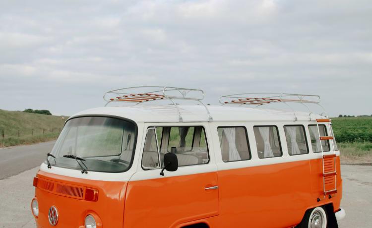 De Friese Klassieker – Vrolijke vernieuwde Volkswagen T2 Kombi
