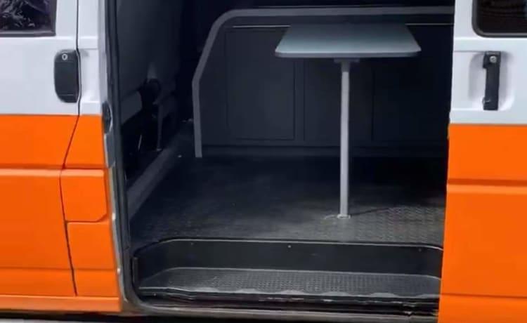 Zazu – ZAZU - VW T4 converted campervan