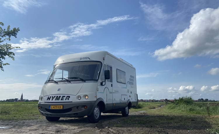 Spacious family camper with 6 seats