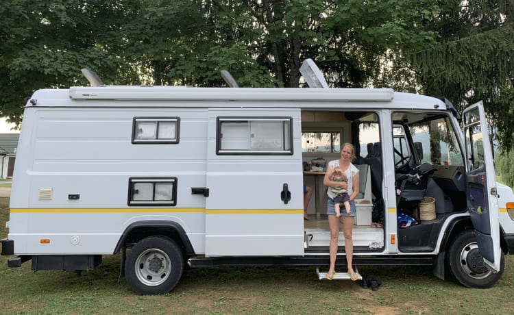 Mercedes Vario 815D – Stoere en unieke familie camper