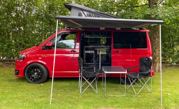 Poppy – VW T5 Transporter
