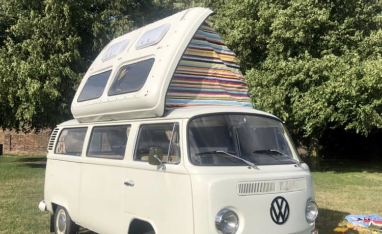 Bella -VW Classic Campervan Early Bay 1971 in Charlton, Londen