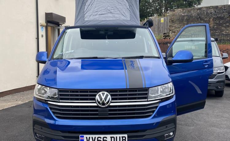 Mary-Jane – VW Transporter T6.1 4 Berth Campervan
