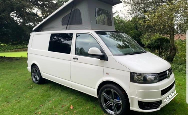 S88 – VW T5.1 Camper LANGE WIELBASIS - Zitplaatsen 5 4 Slaapplaatsen (10 personen incl. luifel)