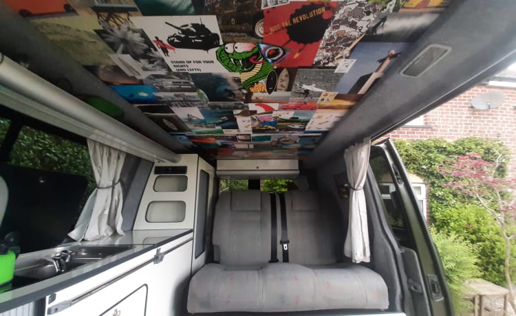 Otto – Unieke VW T5 4-Motion 4 persoons camper