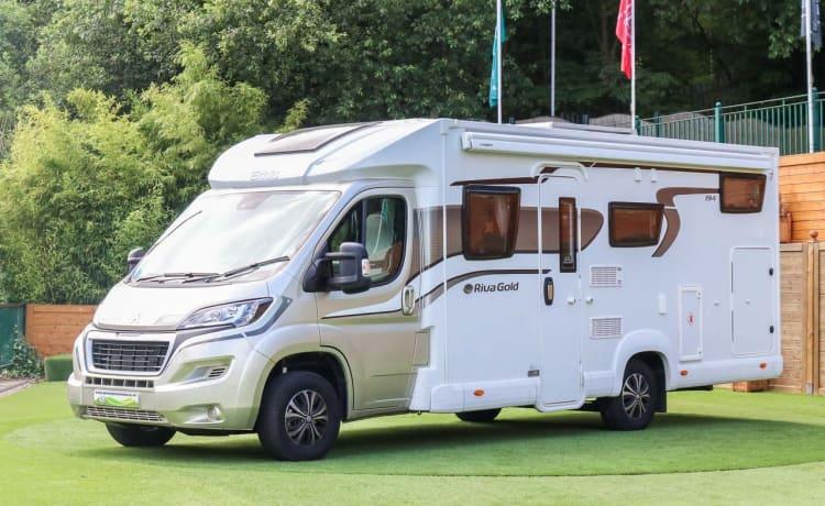 Riva – Prachtige gloednieuwe Elddis Autoquest 194, 4 persoons camper te huur