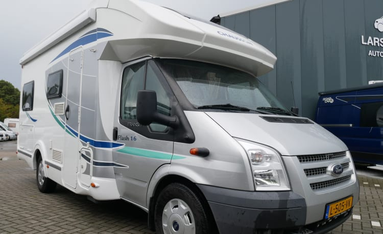 Chausson Flash 16 4-Persoons, Langsbedden, Hefbed!!