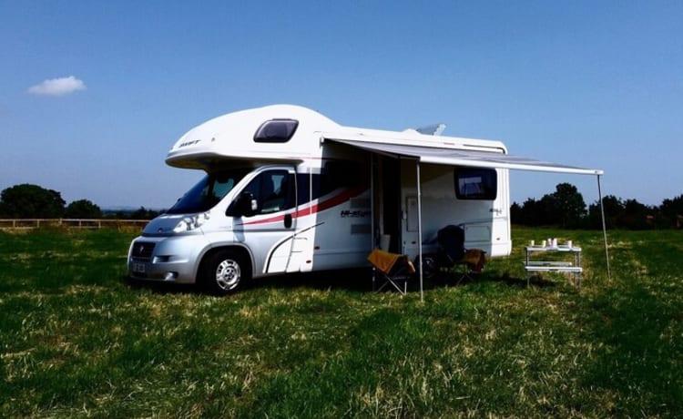 Kev – Camper met 6 slaapplaatsen - Herinneringen worden gemaakt met Oasis Holiday Rentals