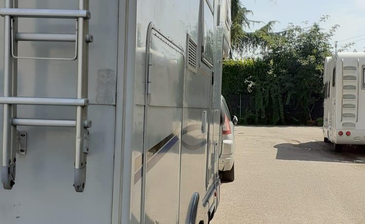 Immacolata  – Huur een camper met garage