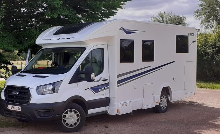 Locafreedom – Motorhome for rent Ardennes