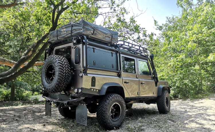 Nara Brons overland vehicle