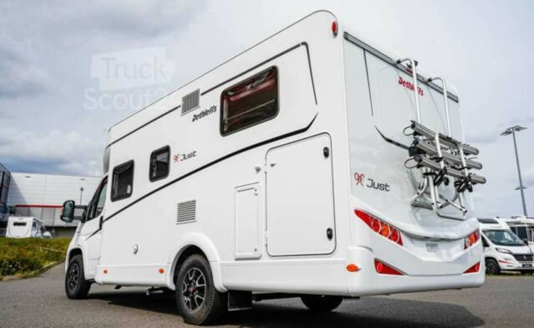 3 – Luxe Dethleffs T6812 Just 90