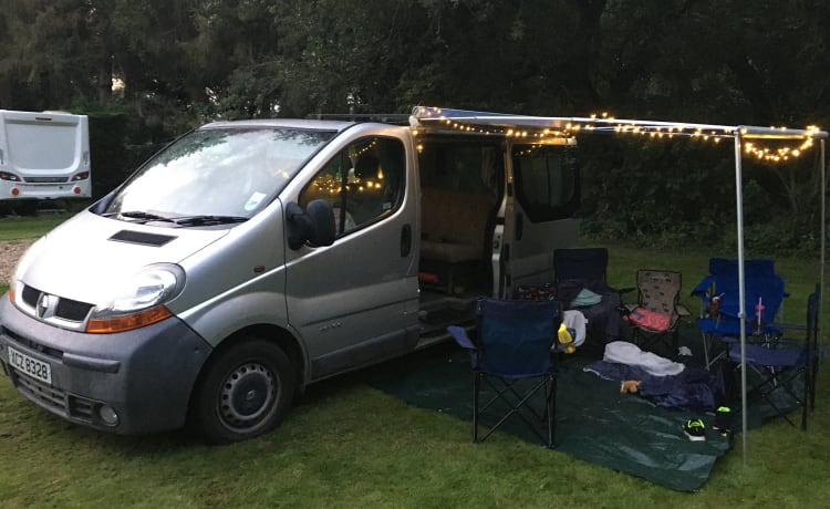 2-persoons Super Comfy Renault Trafic Camper