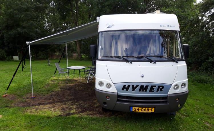 Comfortabele Hymer B655 voor 2-4 personen