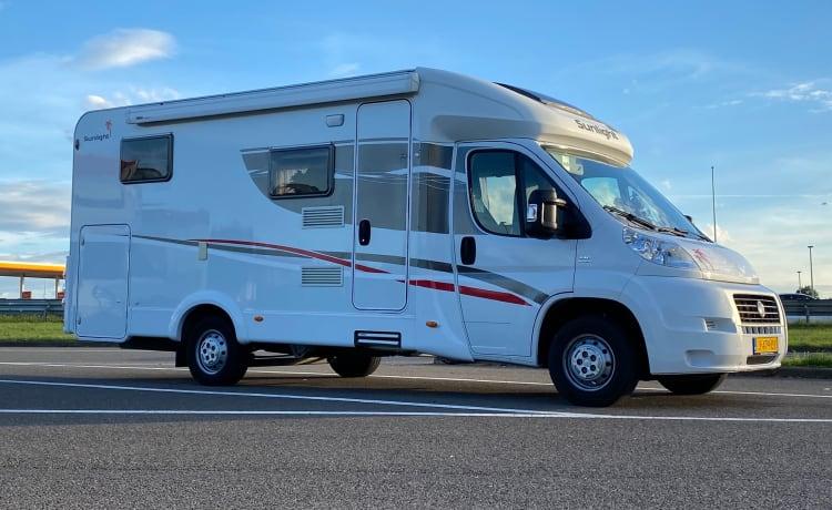 Moderne camper met alle gemakken!  – Sunny side up!