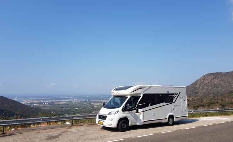 Overwinter camper – Spanje Fly and Drive Compleet ingerichte Benimar Mileo 287