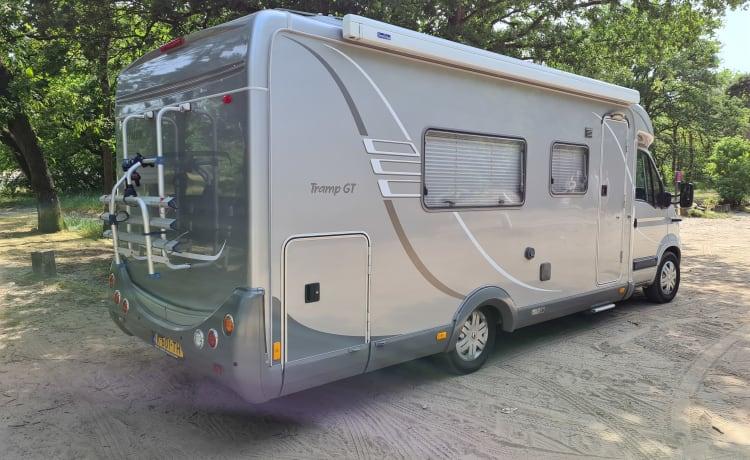 Duo Traveller – Ampio camper per 2 persone con 2 letti separati