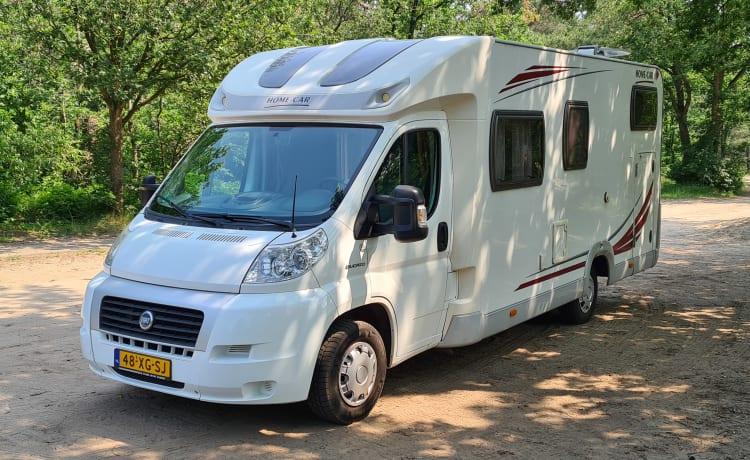 Home Traveller – Camper spazioso e confortevole, completamente attrezzato