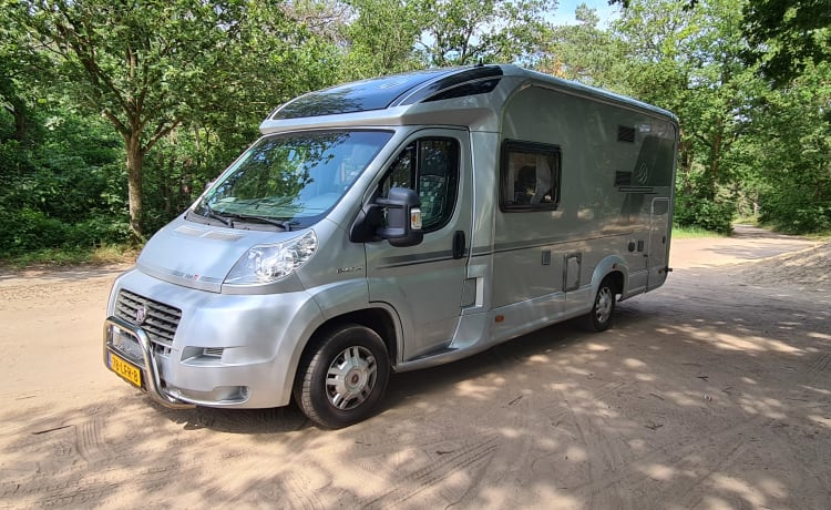 Silver Traveller – Spacious, comfortable camper, fully equipped