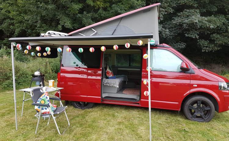 Big Red – VW 5.1 California Beach met draagbare keuken - klaar om te zwerven!