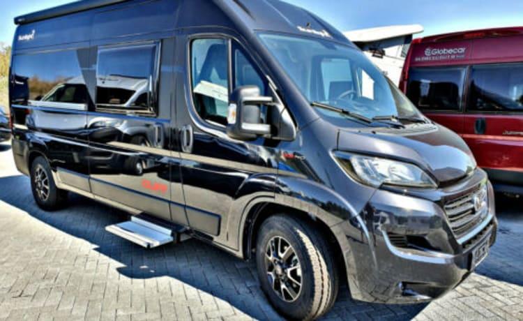'BILBAO' – New Sunlight Cliff 600 Bus Camper from 2021