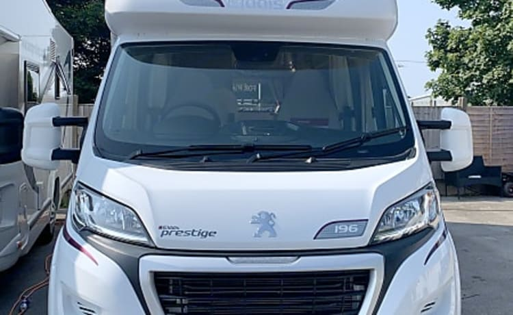 Camperkings Hire ltd – Peugeot Elddis 2018 6 berth luxury motorhome