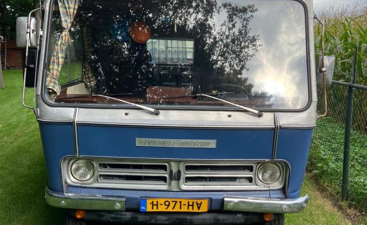 HYMW – Eerste versie Hymer Mobil op basis Bedford Blitz in originele staat