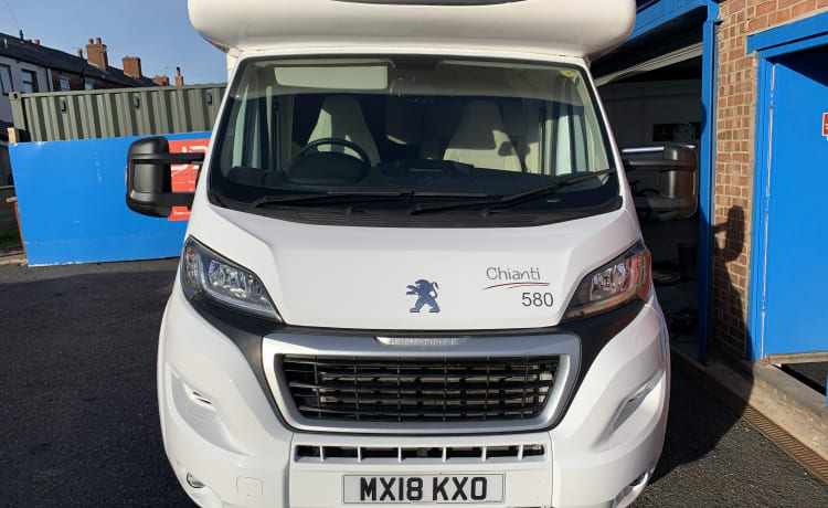 Bobs – Peugeot Boxer Chianti 580 5-persoons camper