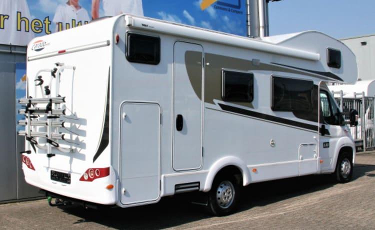 Hymer Carado A461 – Vrijwel nieuwe familiecamper - 6 persoons