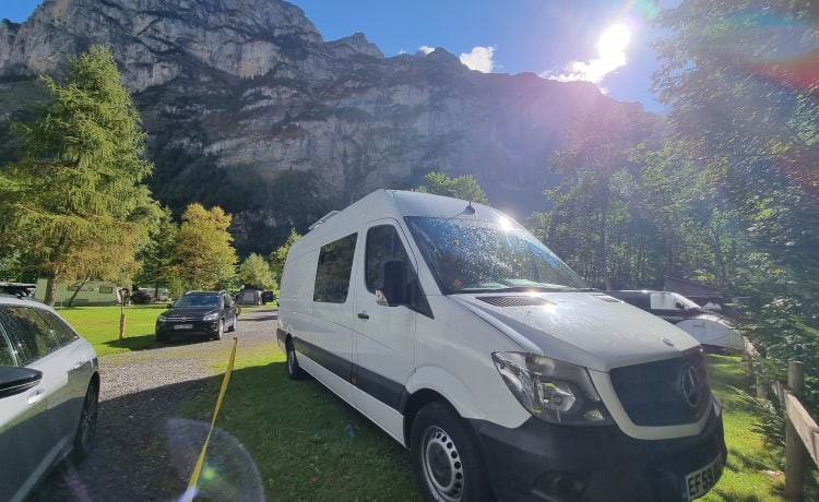Aurora – Automatic 4 Berth Camper LWB (Family or Couple/Friends set up available)