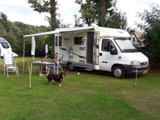 Louis – Fijne tweepersoons camper voor een heerlijke vakantie