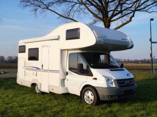 Zin in een fantastische vakantie? Boek dan onze camper met extra groot bed!
