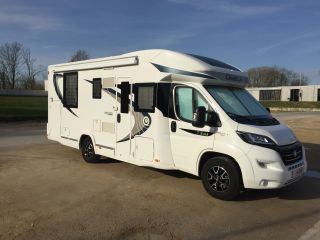 Modern, new and well maintained luxury motorhome for family of 4